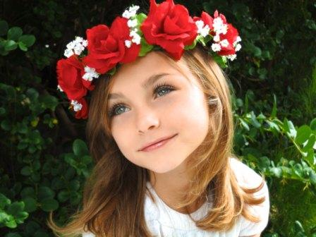 How to make a flower crown in 4 simple steps - HowHut ea5de92a461